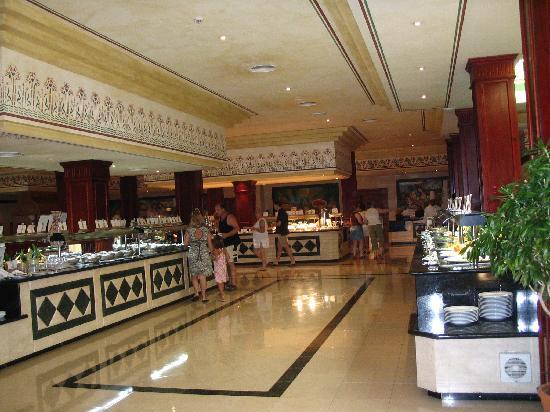 Grand Bahia Principe Punta Cana: Restaurant buffet très varié
