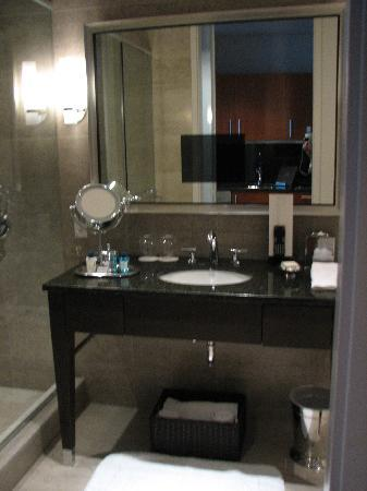 Trump International Hotel & Tower Chicago: Bathroom