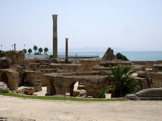 Carthage, Tunisie : Ancient Roman baths of Tunisia