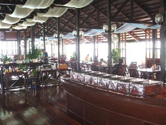 Sipadan Kapalai Dive Resort : Intérieur du resto