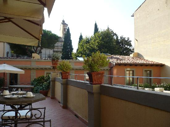 Terrace breakfast picture of hotel orto de medici for Breakfast terrace