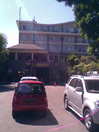 أردجونا بوتيك هوتل باندونج: main entrance