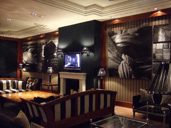 Hotel 1898: reception