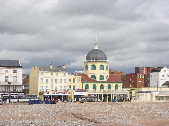 Γουόρδινγκ, UK: Worthing from the Pier