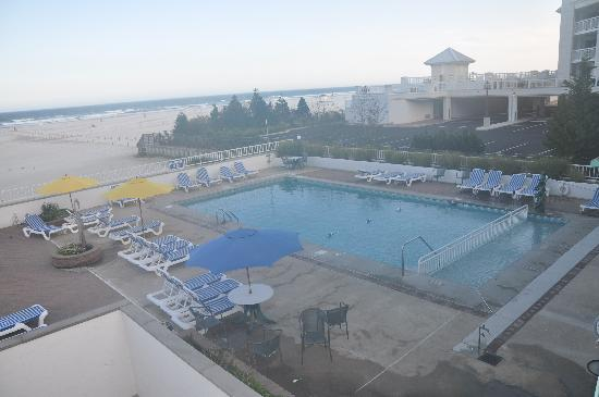 Regal Plaza Beach Resort: Pool