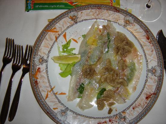 Gostilna Za Gradom Rodica: carpaccciio de Bar aux truffes blanches