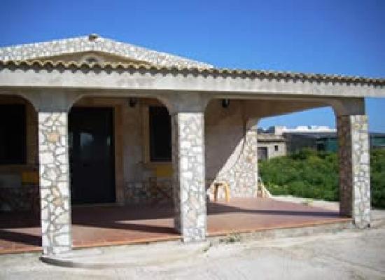 Guesthouses Portopalo: l'extérieur de la maison