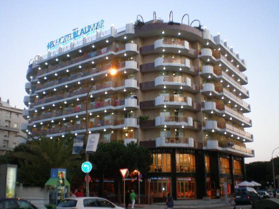 Hotel BLAUMAR: devant l'hotel