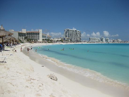 Feels kind of fake? - Club Med Cancun