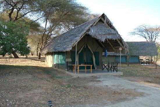 Tarangire Safari Lodge : Our tent accommodations