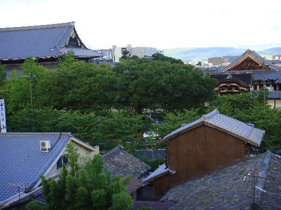ماتسوبايا ريوكان: Templo Higashi-Honganji vista desde puerta apartamento
