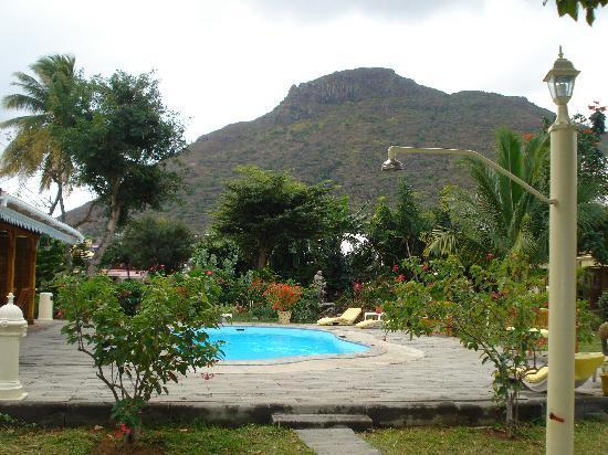 La Mariposa: The Gardens and pool