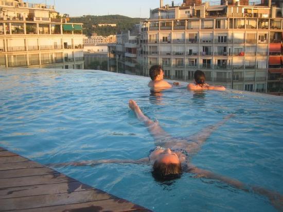 B-Hotel: me in a pool