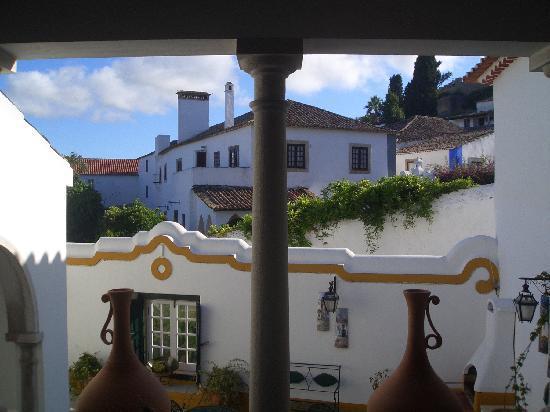 Casa de Sao Tiago do Castelo : beautiful outdoor courtyard for breakfast or relaxing