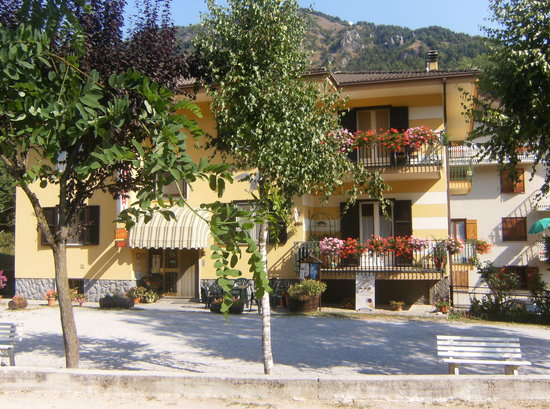 Monterosso Grana, إيطاليا: ristorante aquila nera