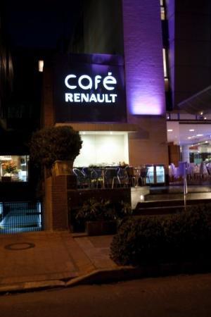 93 ปาร์ค: Cafe Renault.. espectacular café... me encantó..