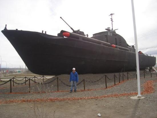 ปุนตาอาเรนัส, ชิลี: visitando barco de la aramada de pnta arenas