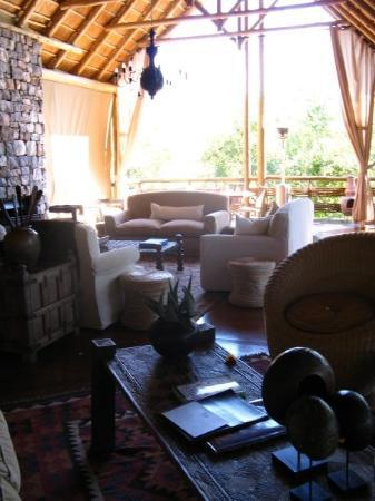 Thakadu River Camp : Safari Lodge in Madikwe Reserve, S. Africa