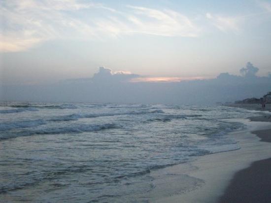 ปานามาซิตี้บีช, ฟลอริด้า: watching the waves roll in :-)