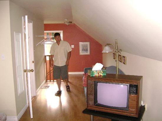 Mackenzie House Tourist Home: l'autre bout de la chambre