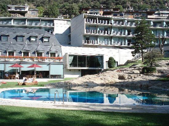 Andorra Park Hotel: Piscina y habitaciones