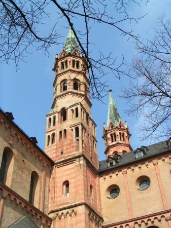 วอร์ซบูร์ก , เยอรมนี: 符茲堡 (Würzburg) 的紅磚教堂