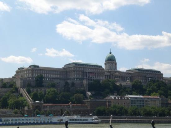แคสเซิ่ลฮิลล์: Budapest