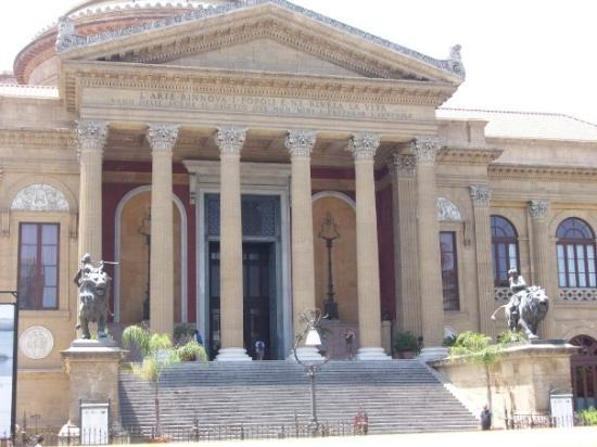 Palermo, Italien: The Opera House from The Godfather 3