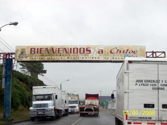 อิสลาชีโอเล, ชิลี: Entrada a la Isla de Chiloé por CHACAO