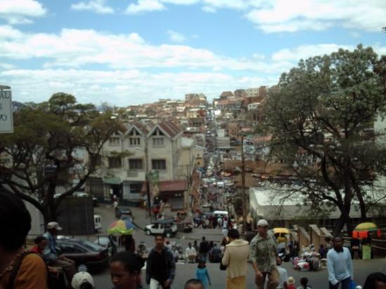 อันตานานาริโว, มาดากัสการ์: The big bad stairs in Tana