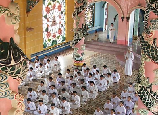 Tay Ninh, เวียดนาม: Inside Cao dai Temple