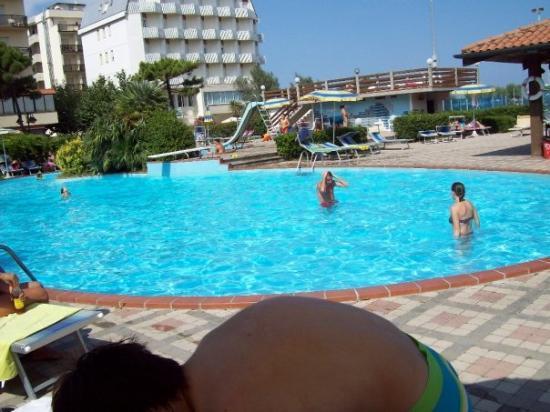 Hotel Adria : la piscina