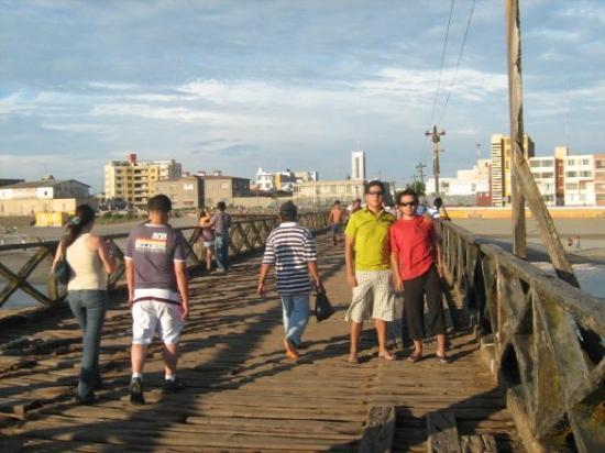 Chiclayo, Pérou : en pimentel..burrens y yo