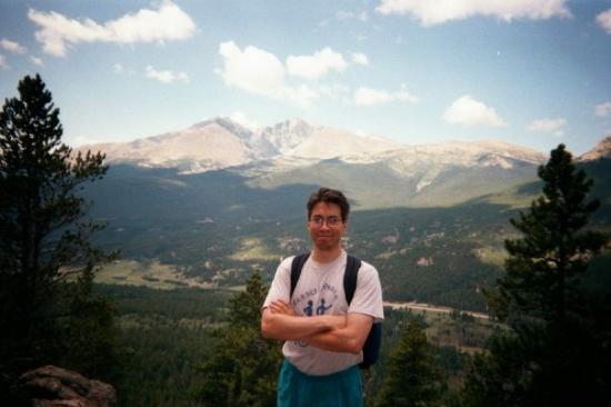 เอสเตสพาร์ค, โคโลราโด: Enrique along Twin Sisters Peaks, Estes Park, CO