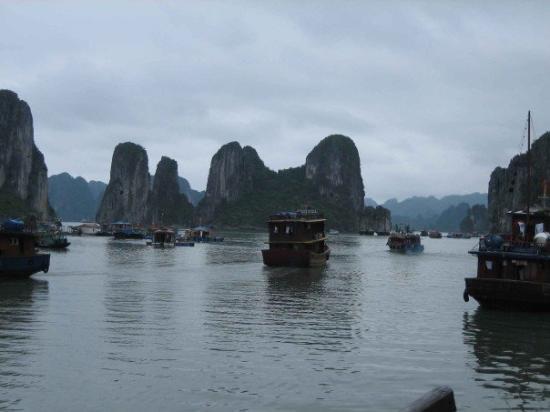 ฮาลองเบย์, เวียดนาม: Halong Bay