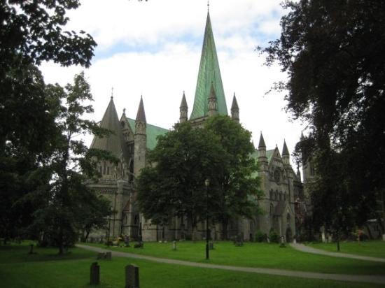 ทรอนด์ไฮม์, นอร์เวย์: Cathedral at Trondheim, Norway