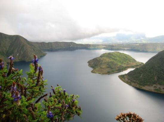 Otavalo, Equador: Hiking around the crater, Coacachi volcano