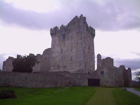 คิลลาร์นีย์, ไอร์แลนด์: CASTLE 0F KiLLARNEy
