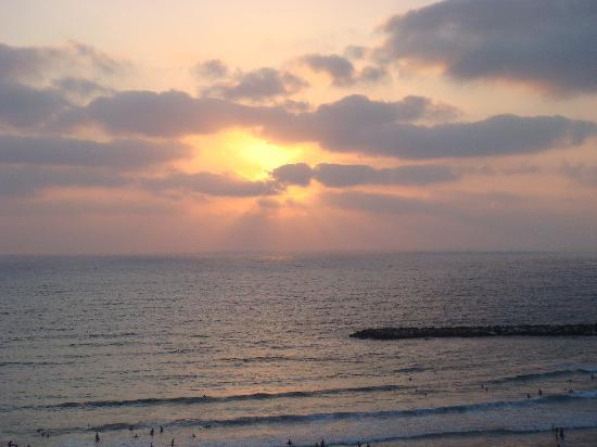 Hotel Prima Tel-Aviv: Sunset from the hotel