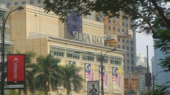 Suria KLCC Mall: Nyampeeee....