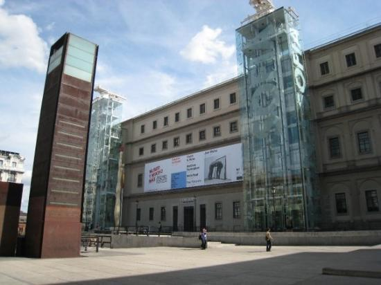 Reina Sofia museum, Madrid - Picture of Queen Sofia Arts Center (Museo Nacion...