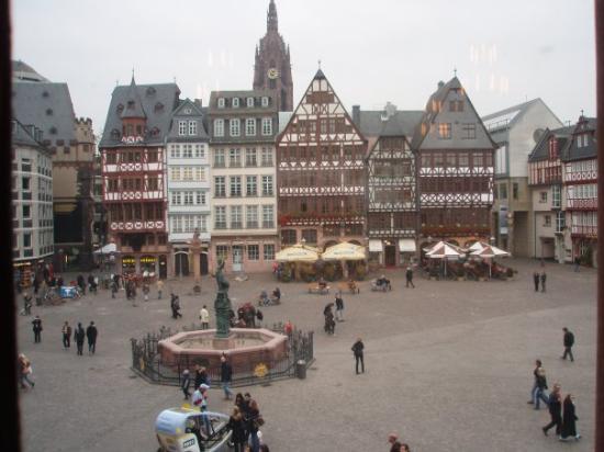 แฟรงก์เฟิร์ต, เยอรมนี: le case nella piazza del Römer