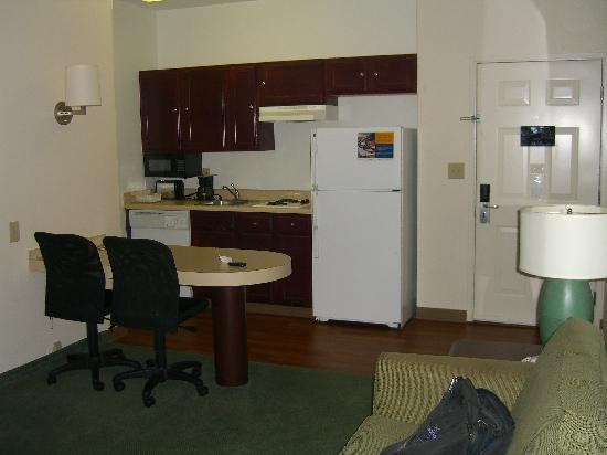 Extended Stay America - Austin - Northwest - Research Park: kitchen area