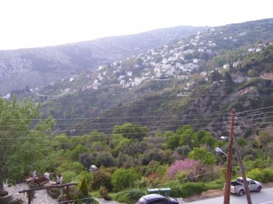 โวลอส, กรีซ: Η θέα από το παράθυρό μου...