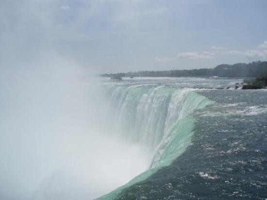 Niagarafallene, Canada: Esto es impresionante !!