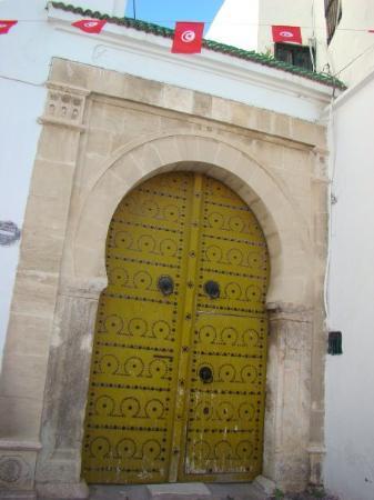 ตูนิส, ตูนิเซีย: Tunez