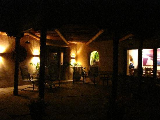 Taos Country Inn: View of the front porch at night