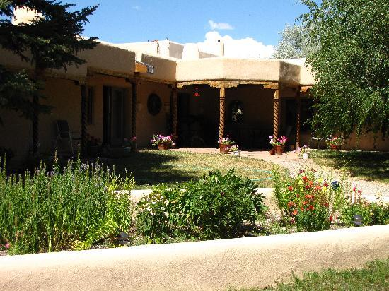 Taos Country Inn : View in the day