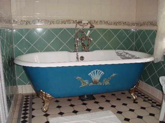 Walaker Hotell: Bathtub
