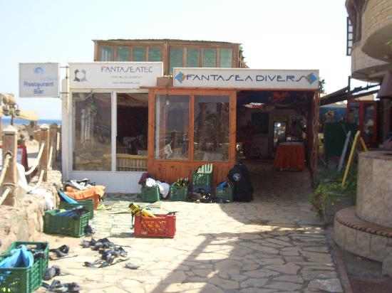 Coral Coast Hotel: Dive Centre, Resturaunt and Bar